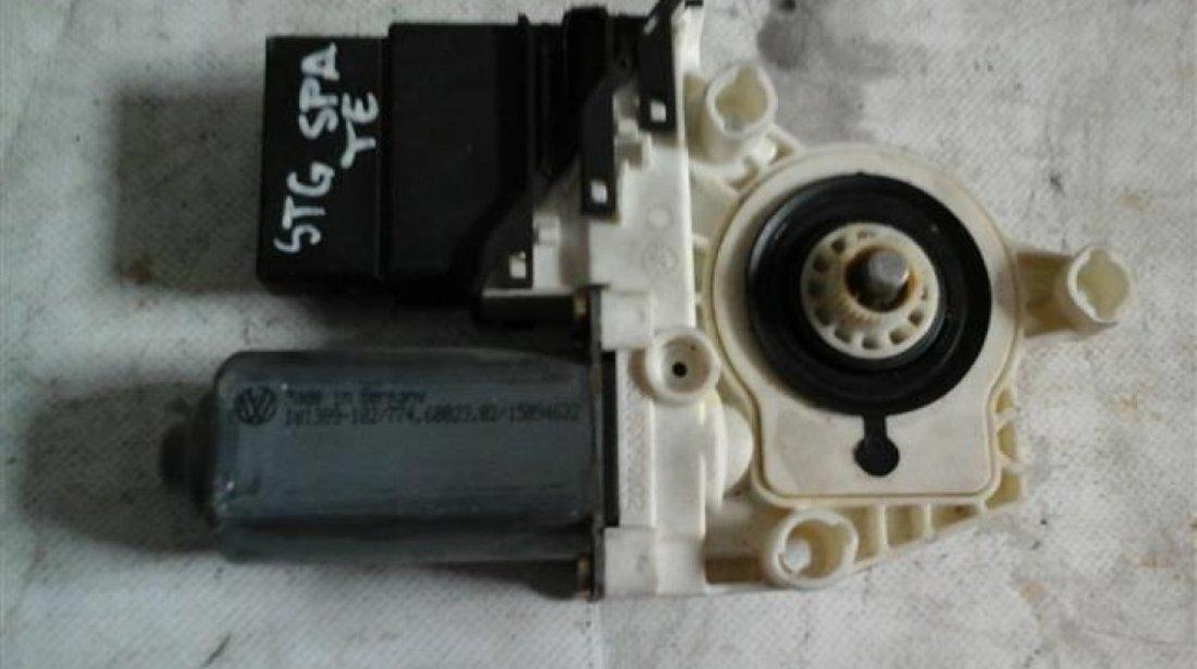 Motoras macara geam stanga spate Volkswagen Golf4 / Bora An 1999-2004 cod 1C0959811A
