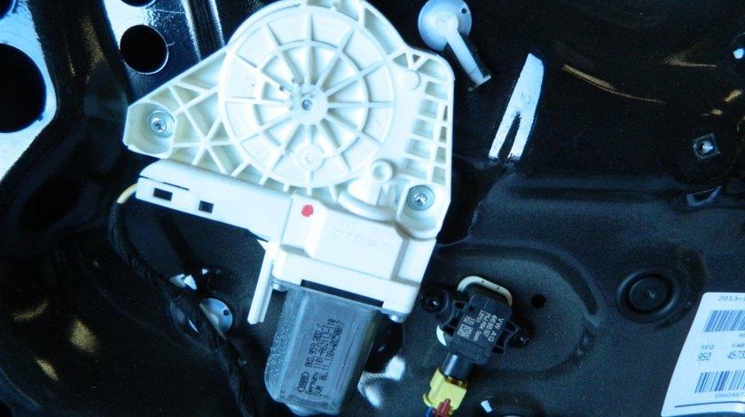 Motoras macara geam usa dreapta fata Audi A1 8X Sportback cod: 8K0959802C
