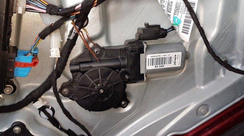Motoras macara geam usa dreapta fata d2935.p8 alfa romeo 159