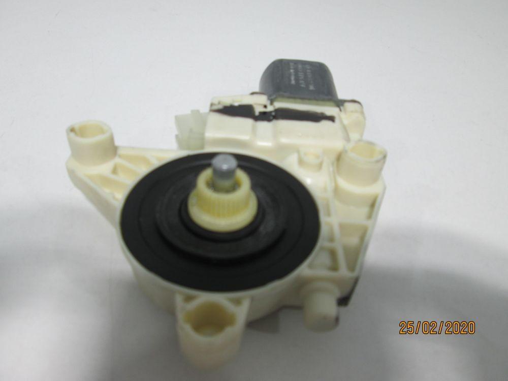 Motoras macara geam usa dreapta spate Mercedes C-Class W204 an 2009-2010-2011-2012-2013-2014-2015 cod A2048200642