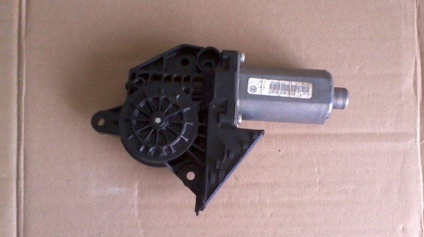 Motoras macara geam VW Golf 5 6 Plus cod 5M0839402F, 5K0959704