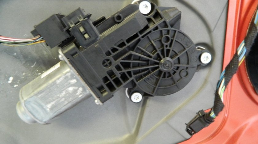 Motoras macara Skoda Fabia 2
