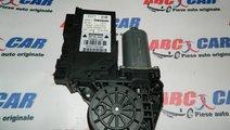 Motoras macara stanga fata Audi A4 B6 cod: 8E29598...