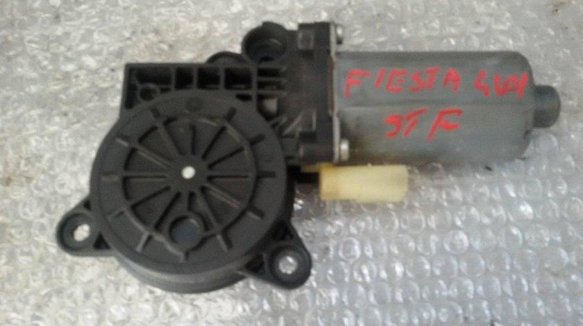 Motoras macara stanga fata ford fiesta 4 usi 0130821938