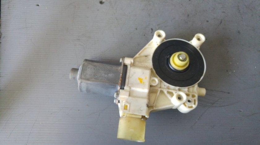 Motoras macara stanga fata ford mondeo mk4 2009 0130822287 6m21-14a389-b