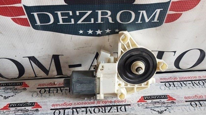 Motoras macara stanga fata Mercedes-Benz W204 C200 cod A2048200142