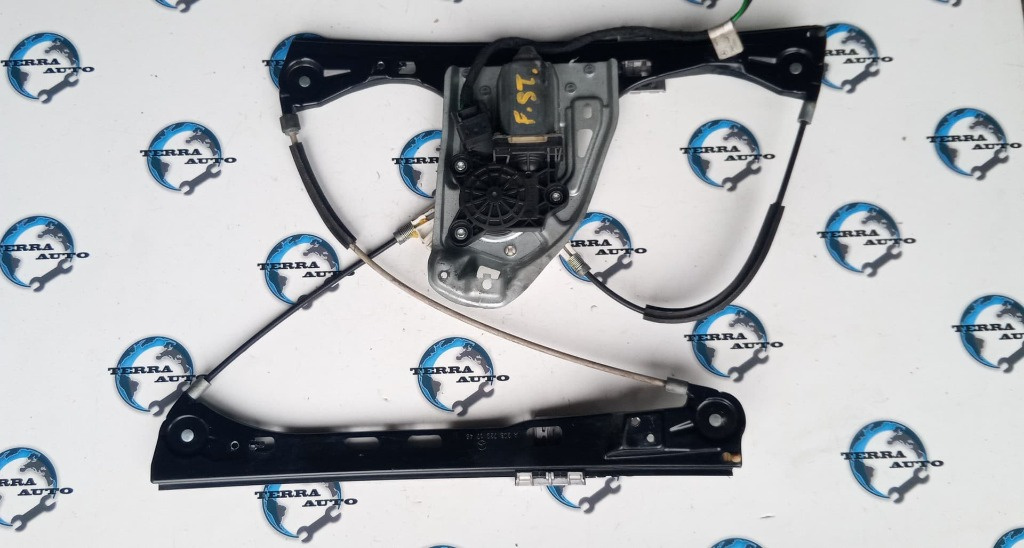 Motoras macara stanga fata Mercedes C-Class W203 2.2 CDI