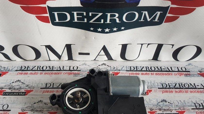 Motoras macara stanga fata VW Touran 1k0959701b
