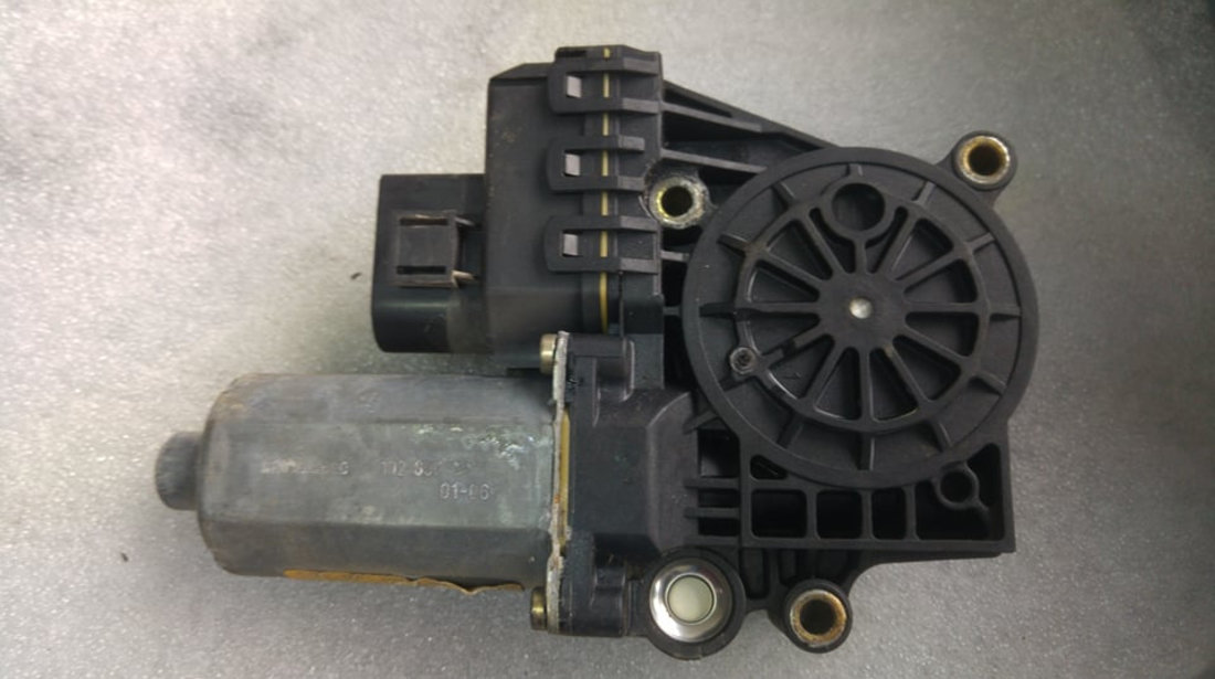 Motoras macara stanga spate audi a6 c5 4b0959801b
