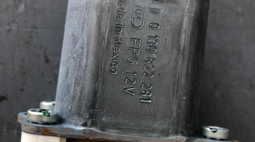 Motoras macara stanga spate mercedes m-class ml 350 4matic w164 2011 a2518200108 0130822281