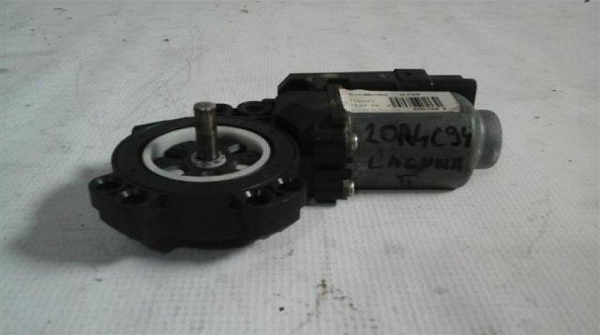 Motoras macara stanga spate Renault Laguna2 An 2005-2007 cod 8200305720