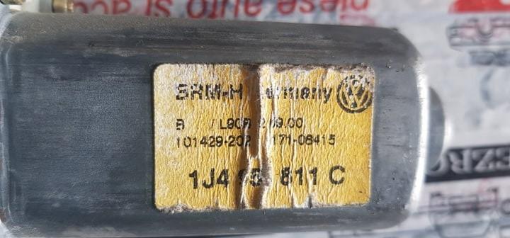 Motoras macara stanga spate VW Bora 1M2 cod 1j4959811c