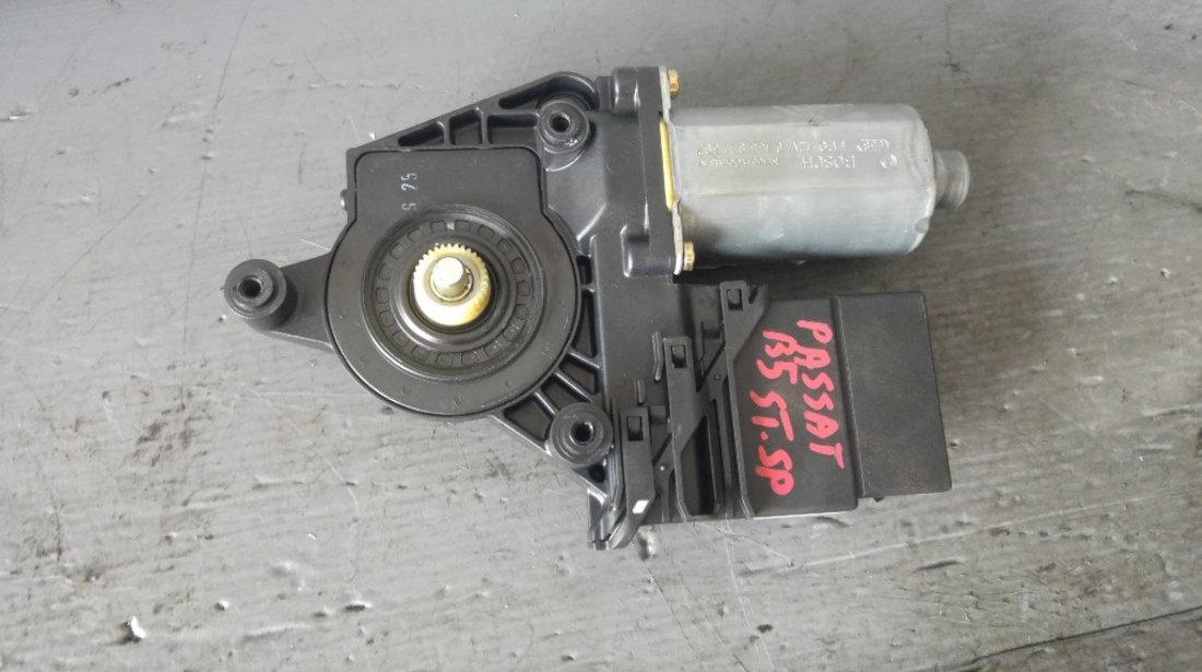 Motoras macara stanga spate vw passat b5 3b9839751at 0130821697