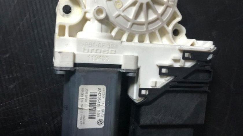 Motoras macara stanga spate vw passat b6 974225-111 3c9959703