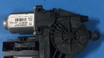 Motoras macara usa cu modul dreapta fata cod: 1K09...