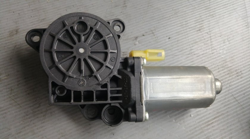 Motoras macara usa dreapta fata ford fusion 0130821939
