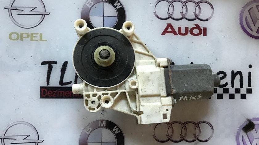 Motoras macara usa dreapta fata Ford Mondeo MK4