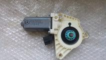 Motoras macara usa dreapta fata mercedes b-class w...