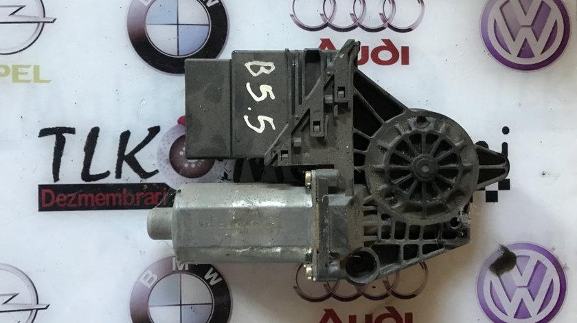 Motoras macara usa dreapta fata Volkswagen Passat B5.5