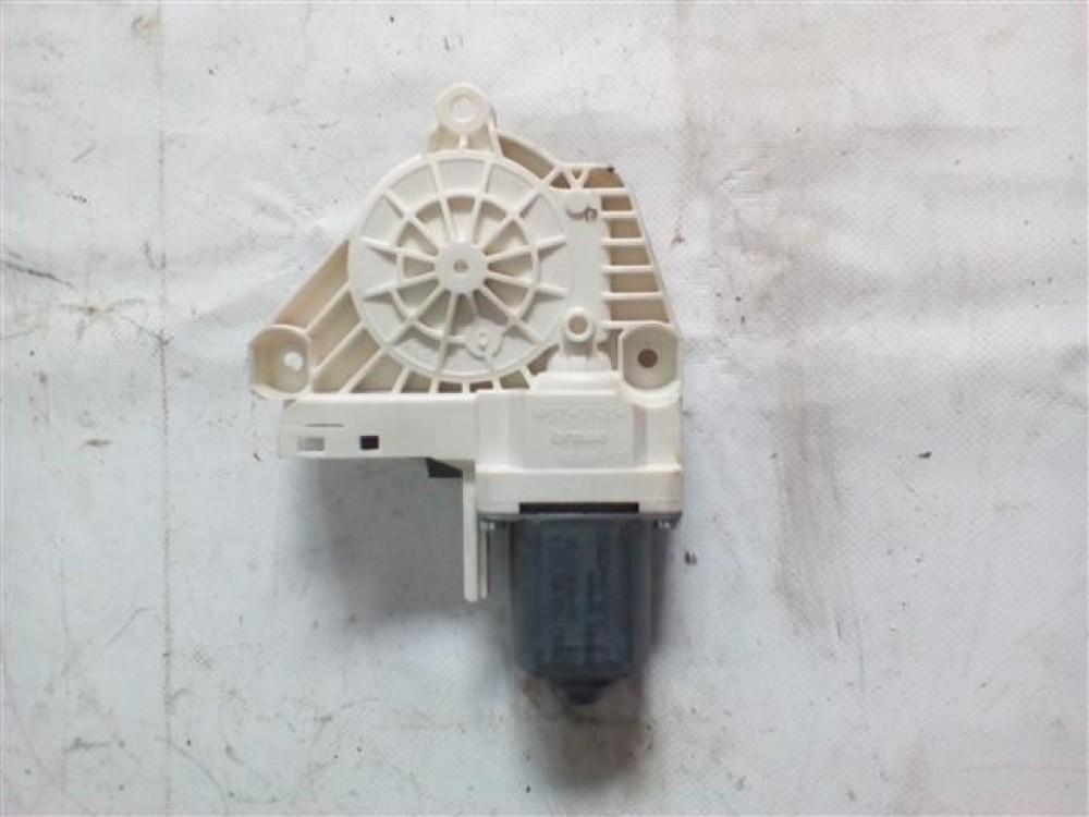 Motoras macara usa dreapta spate Skoda Superb 2 / Audi A4 / A6 An 2008-2016 cod 8K0959812A