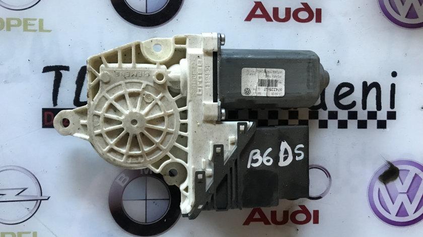 Motoras macara usa dreapta spate Volkswagen Passat B6