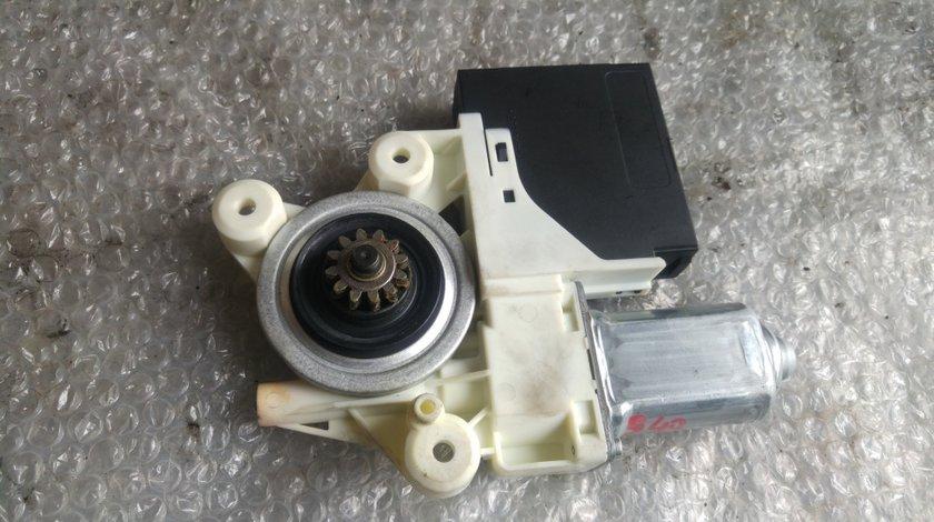 Motoras macara usa dreapta spate volvo s40 v50 992764-100 30710149