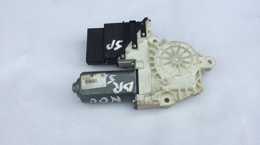 Motoras macara usa dreapta spate VW Volkswagen Jetta 3 1K2 an 2005 - 2010 cod 1K0959704P