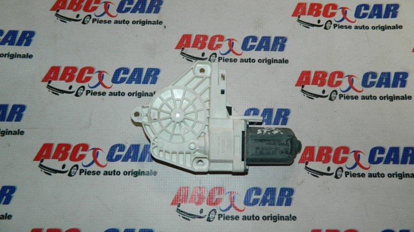 Motoras macara usa stanga fata Audi A6 4F C6 cod: 8K0959801A