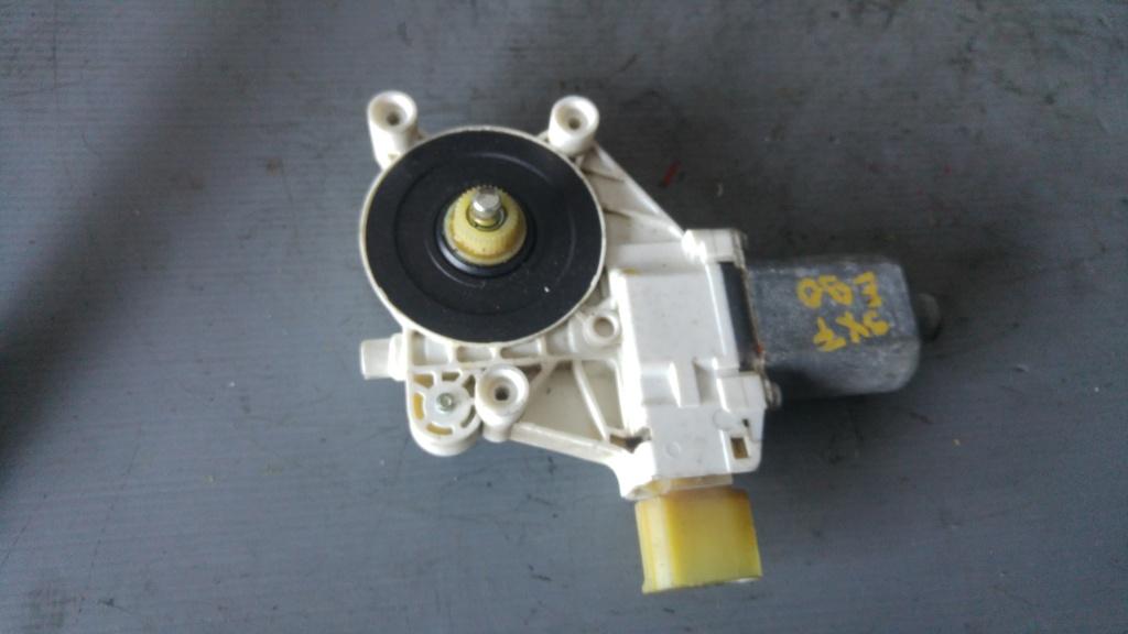 Motoras macara usa stanga fata bmw e90 0130822226