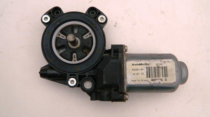 Motoras macara usa stanga fata Dacia Logan  cod 400726D