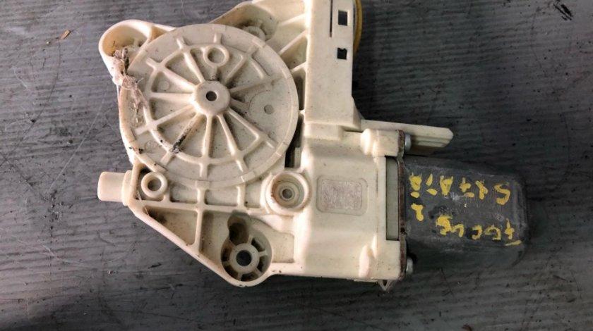 Motoras macara usa stanga fata ford focus 2 4m5t-14a389 0130822217