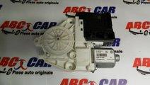Motoras macara usa stanga fata VW Jetta 1B cod: 3C...