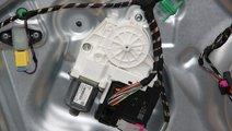 Motoras macara usa stanga fata VW Tiguan 5N cod: 5...
