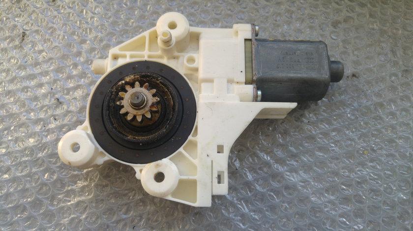 Motoras macara usa stanga ford focus 2 2 usi 4m5t-14a389