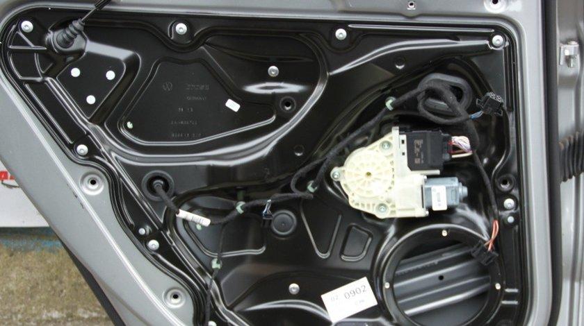 Motoras macara usa stanga spate VW Passat B7 Alltrack cod: 3AA959703B model 2012