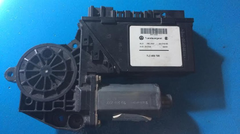 Motoras macara usa stanga spate VW Volkswagen Touareg 7L an 2002 - 2010 cod 7L0959795