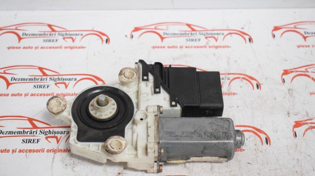 Motoras modul macara spate dreapta 1J4959812C 9776101438202 VW Golf 4