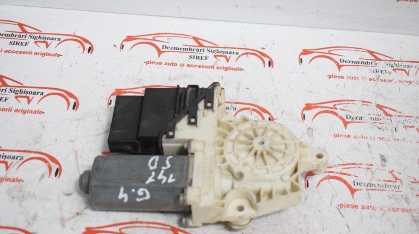 Motoras modul macara spate dreapta 9776101438202 VW Golf 4 141