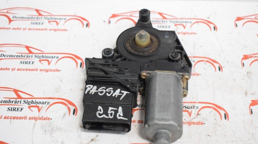 Motoras modul macara spate stanga 101439202 VW Passat B5 252