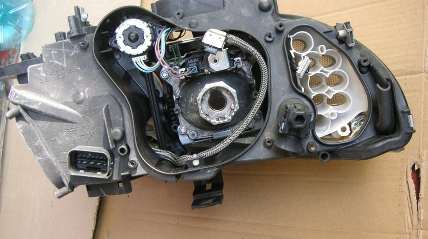 Motoras reglaj far BMW E90, E92, E93, X5, X4, X3, Mercedes CLS-Class C218 cod 1307220060