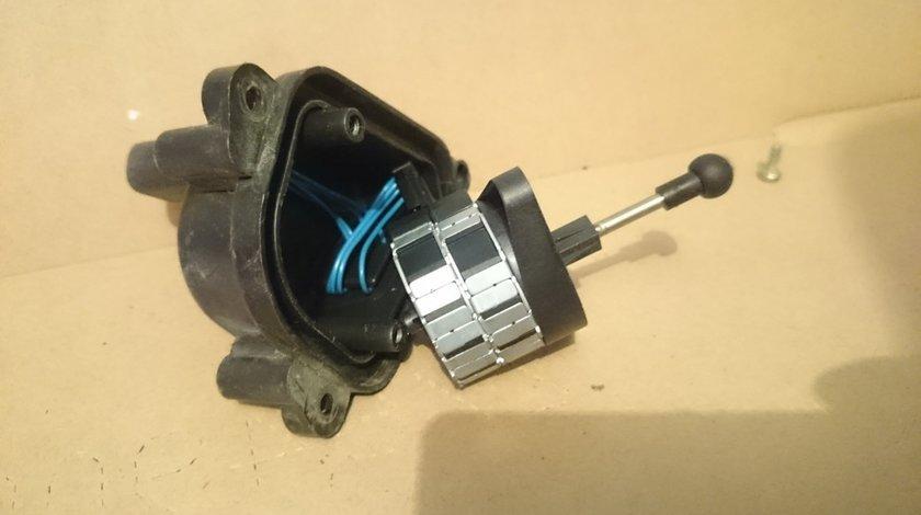Motoras reglaj far pentru BMW E39, Z4 E85 E86 (2002-2008) cod 8352206, 72774900, 1307220007
