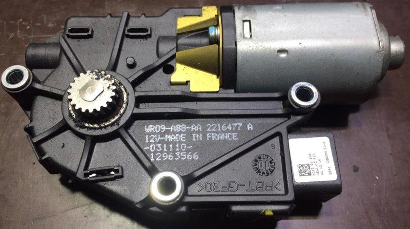 Motoras trapa panoramica Hyundai ix35 2.0crdi 4x4 136cp an 2012 wr09-a88-aa 2216477a