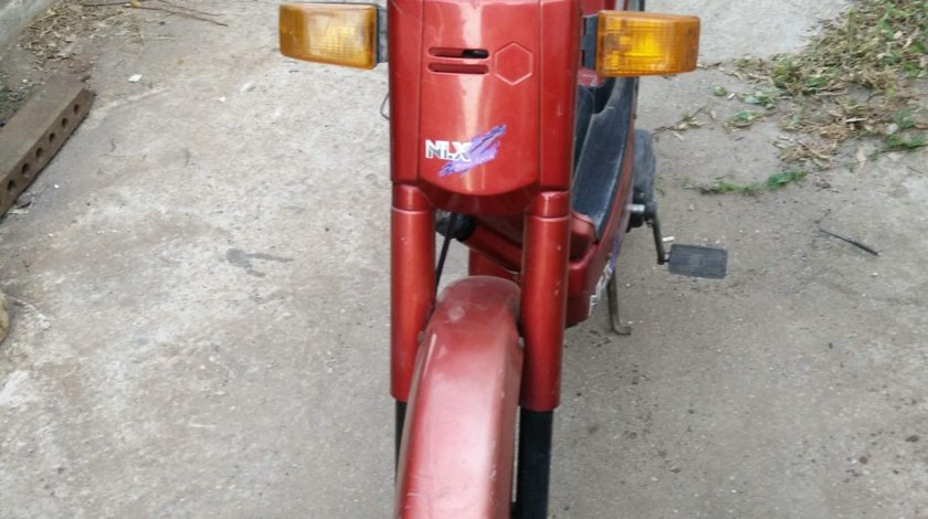 Motoreta cu pedale
