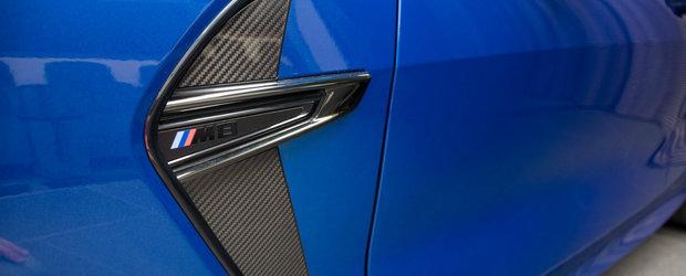 N-ai cum sa-l ratezi. El si-a comandat noul M8 Gran Coupe Competition in nuanta Sonic Speed Blue cu interior rosu