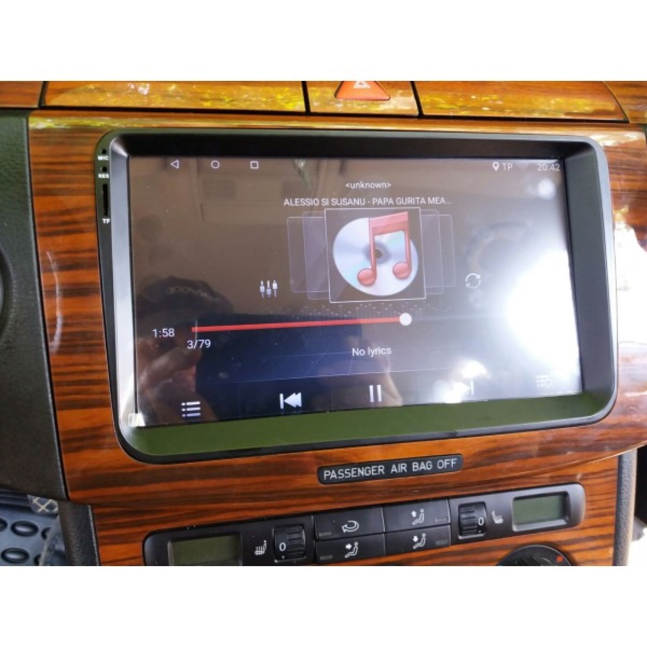 NAVIGATIE CARPAD ANDROID 7.1.2 DEDICATA VW PASSAT B7 NAVD E305 ECRAN 9'' CAPACITIV 16GB INTERNET