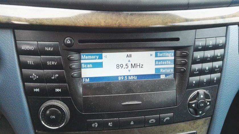 Navigatie mica Mercedes E270 cdi W211