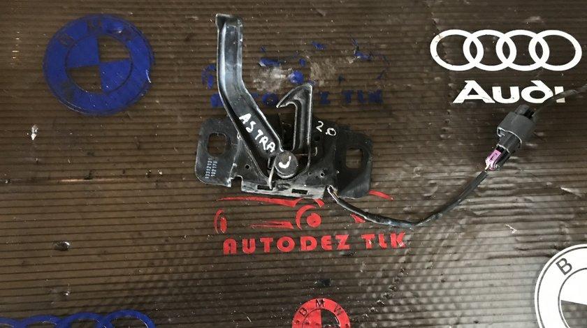 Încuietoare capota Opel Astra J 13312131