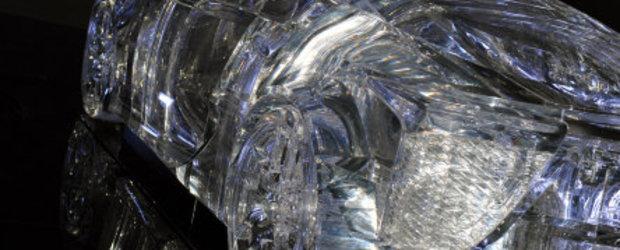Nebunia continua: Lexus LFA ajunge sculptura