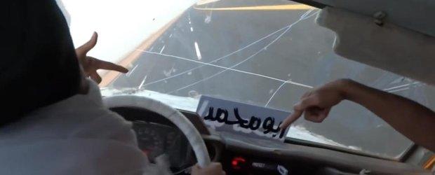 Nebunia lui Salam: arabii care merg pe 2 roti la 180 km/h cu un SUV