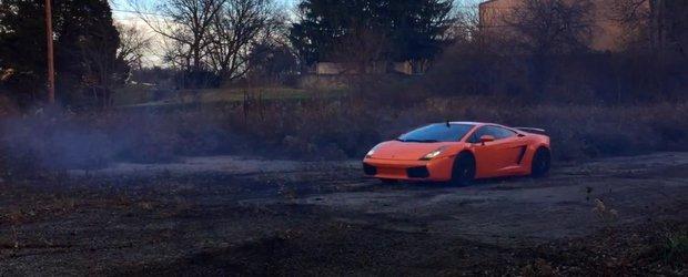 Nebunul asta isi transforma Lamborghiniul in masina de raliuri